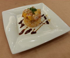 芒果鮭魚壽司塔(季節限定)