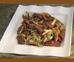 韭黃牛肉(季節限定)