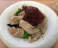 山蘇松阪豬沙拉佐胡麻醬(季節限定)